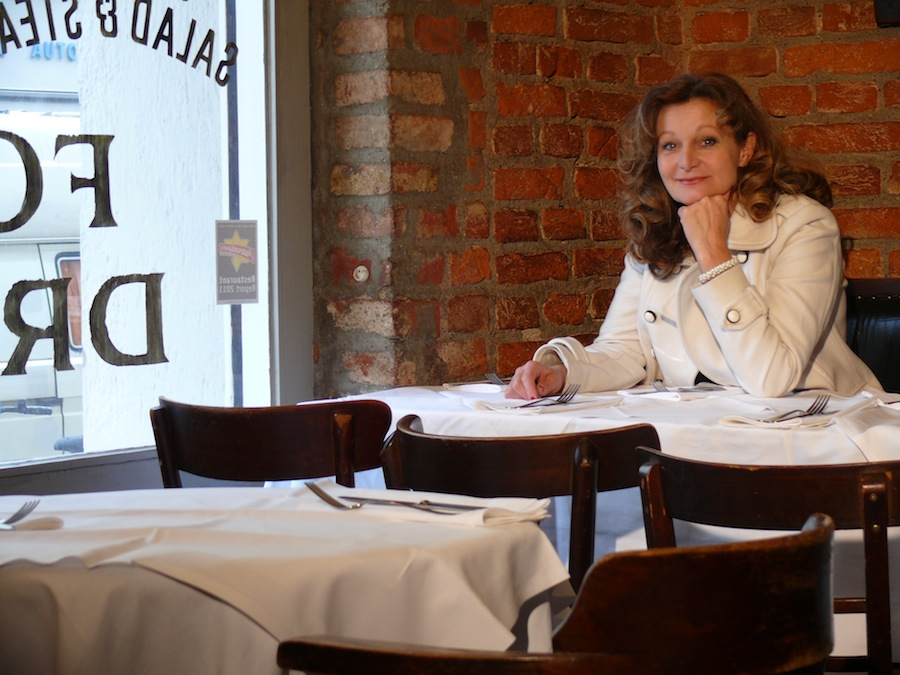 Portrait 4 der Schauspielerin und Kabarettistin Barbara Weinzierl, München